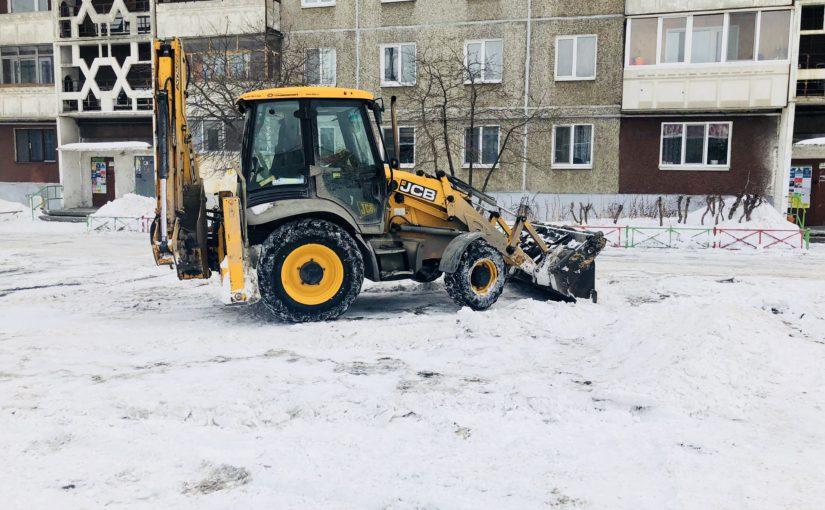 Уборка снега с придомовой территории