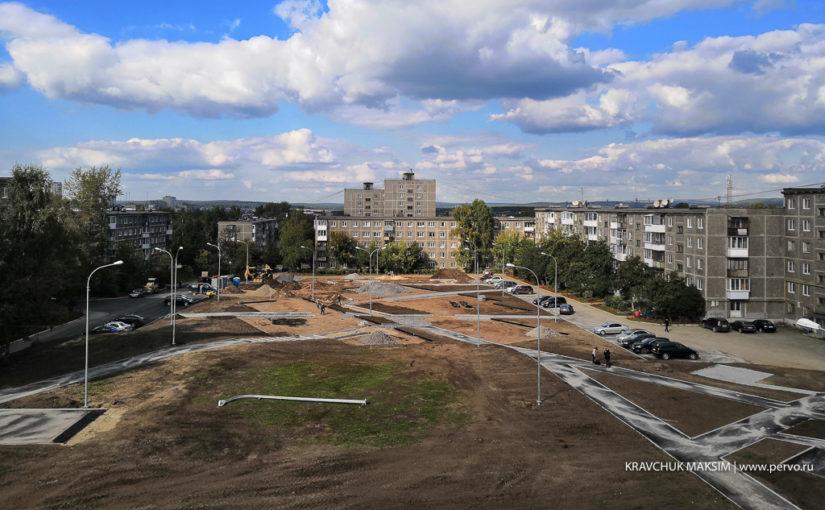 Работы по реконструкции двора на Вайнера идут с опережением графика